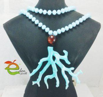 Collana lunga di cristalli turchese