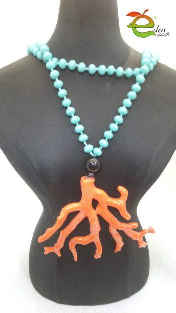 Collana lunga di cristalli turchesi